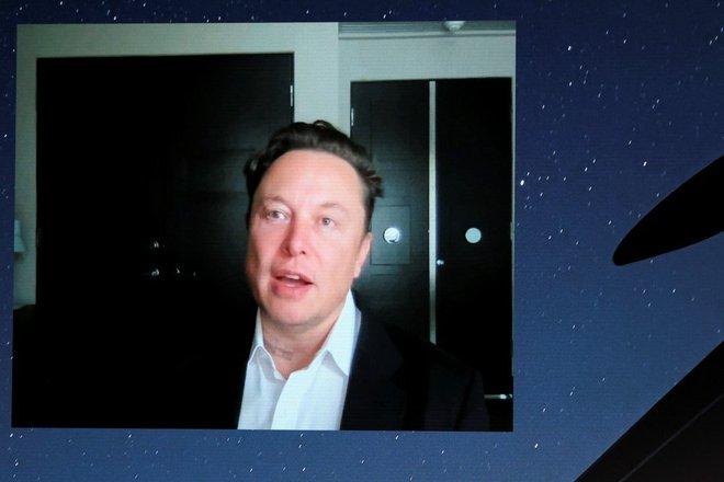 Elon Musk tuyên bố Starlink sẽ phủ sóng toàn cầu trong mùa hè này - Ảnh 1.