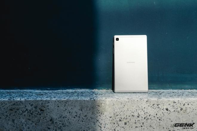 Trên tay Galaxy Tab A7 Lite: Máy tính bảng giá rẻ nhất thị trường có gì hấp dẫn? - Ảnh 2.