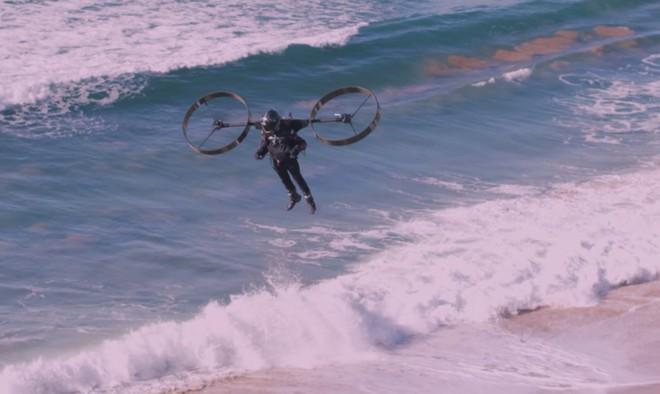 Ấn tượng với video thử nghiệm thiết bị bay sử dụng hai cánh quạt khổng lồ - Ảnh 2.