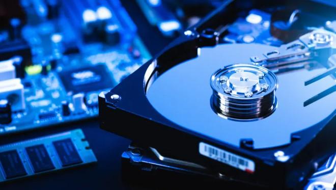Ổ cứng làm bằng vật liệu graphene cho khả năng lưu trữ dữ liệu nhiều hơn gấp 10 lần - Ảnh 1.