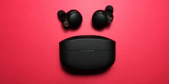 Sony ra mắt tai nghe cao cấp WF-1000XM4: Chống ồn, có LDAC, pin 8 tiếng và chống nước IPX4, giá 279,99 USD - Ảnh 1.