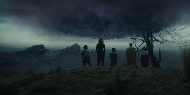 Soi tiểu tiết Loki tập thứ 5: Tháp Avengers bị bán, Thanos cưỡi trực thăng, búa Mjolnir bị vứt như phế thải - Ảnh 15.
