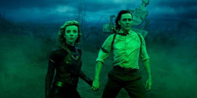 Soi tiểu tiết Loki tập thứ 5: Tháp Avengers bị bán, Thanos cưỡi trực thăng, búa Mjolnir bị vứt như phế thải - Ảnh 19.