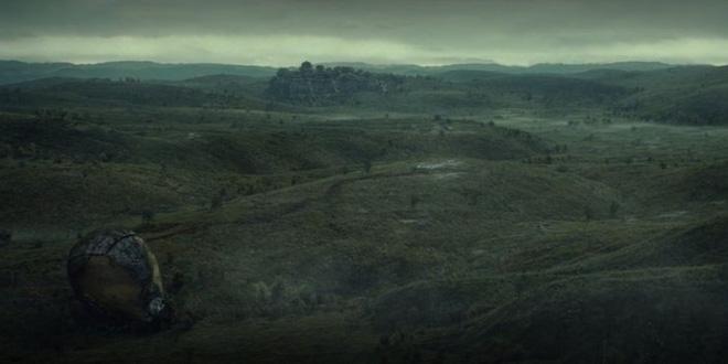 Soi tiểu tiết Loki tập thứ 5: Tháp Avengers bị bán, Thanos cưỡi trực thăng, búa Mjolnir bị vứt như phế thải - Ảnh 4.