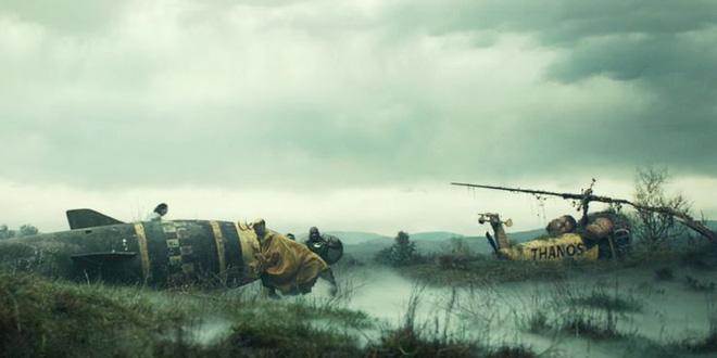 Soi tiểu tiết Loki tập thứ 5: Tháp Avengers bị bán, Thanos cưỡi trực thăng, búa Mjolnir bị vứt như phế thải - Ảnh 5.