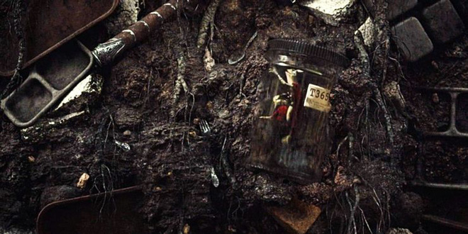 Soi tiểu tiết Loki tập thứ 5: Tháp Avengers bị bán, Thanos cưỡi trực thăng, búa Mjolnir bị vứt như phế thải - Ảnh 7.