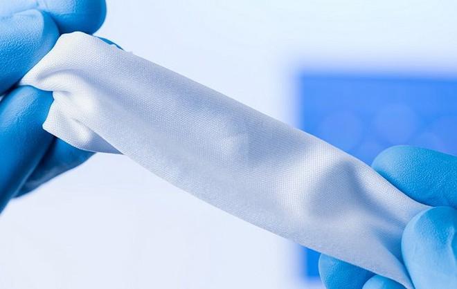 Quần áo làm từ siêu vải kháng nhiệt, giúp người mặc mát hơn 5 độ C - Ảnh 2.