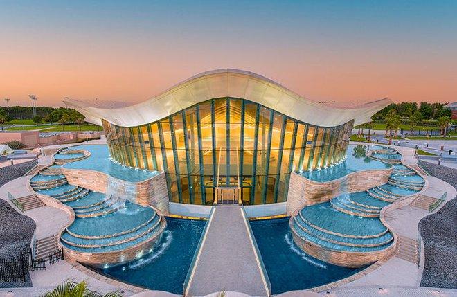 Sử dụng 14 triệu lít nước, Dubai đã xây dựng được hồ bơi sâu nhất thế giới và tái hiện lại lục địa Atlantis đã mất - Ảnh 2.