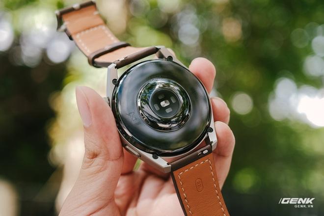 Trên tay Huawei Watch 3 Pro: Thiết kế nam tính chỉ hợp với cổ tay to, hỗ trợ eSIM, có tính năng đo thân nhiệt, pin 5 ngày, giá 13 triệu đồng - Ảnh 10.