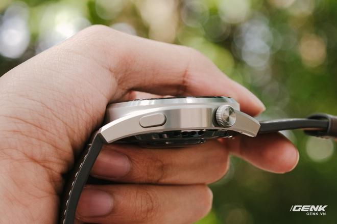 Trên tay Huawei Watch 3 Pro: Thiết kế nam tính chỉ hợp với cổ tay to, hỗ trợ eSIM, có tính năng đo thân nhiệt, pin 5 ngày, giá 13 triệu đồng - Ảnh 6.