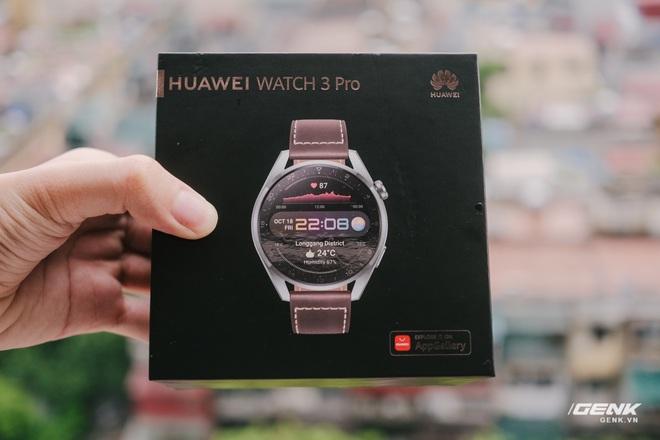 Trên tay Huawei Watch 3 Pro: Thiết kế nam tính chỉ hợp với cổ tay to, hỗ trợ eSIM, có tính năng đo thân nhiệt, pin 5 ngày, giá 13 triệu đồng - Ảnh 1.