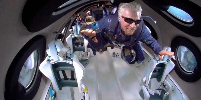 """Neil deGrasse Tyson: nhận định """"tỷ phú đã bay vào không gian"""" là chưa đúng! - Ảnh 2."""