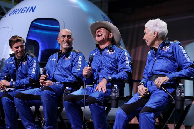"""Neil deGrasse Tyson: nhận định """"tỷ phú đã bay vào không gian"""" là chưa đúng! - Ảnh 3."""