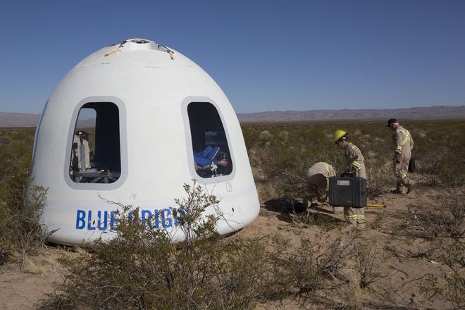 Thiết kế tên lửa trông như thanh xúc xích, tưởng vô lý nhưng hóa ra lại rất thuyết phục của Jeff Bezos - Ảnh 3.