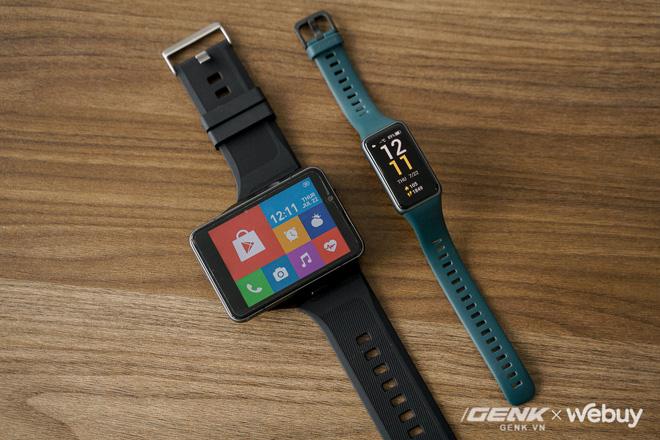 """Trên tay Lokmat Appllp Max: Smartwatch """"siêu to khổng lồ"""" chạy Android, có 4G, cấu hình """"ngon"""", đánh game phà phà - Ảnh 1."""
