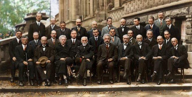 Pauli: Nhà khoa học có nọc độc đáng sợ tới mức ngay cả Einstein cũng phải lạnh gáy khi tới gần - Ảnh 10.
