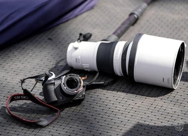 Bộ máy ảnh trị giá hàng trăm triệu đồng tan thành mây khói sau cú ngã của VĐV Trung Quốc tại Olympics - Ảnh 4.