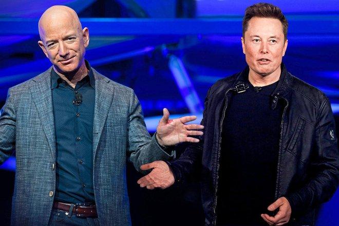 Thách thức Elon Musk, Jeff Bezos đề nghị tặng NASA 2 tỷ USD nếu ký hợp đồng chế tạo tàu lên Mặt trăng với Blue Origin - Ảnh 2.