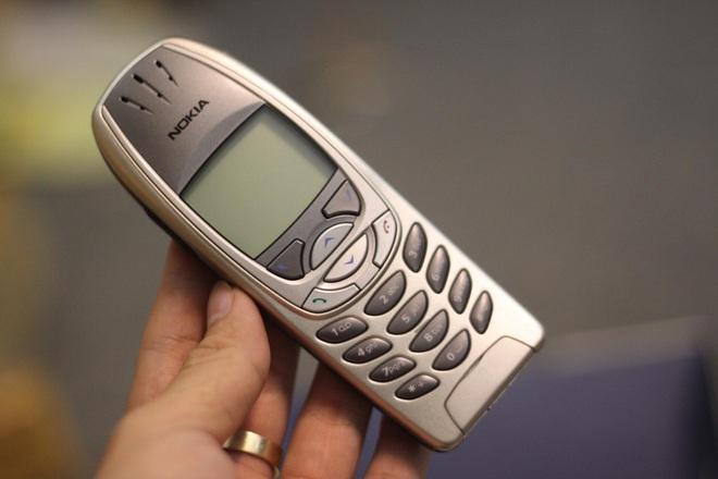 Nokia 6310 hồi sinh với thiết kế mới, giá 1.1 triệu đồng - Ảnh 2.