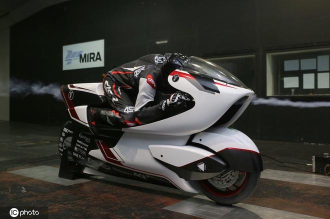 Công ty Anh chế tạo xe máy điện nhanh nhất thế giới với tốc độ vượt quá 400 km/h - Ảnh 2.