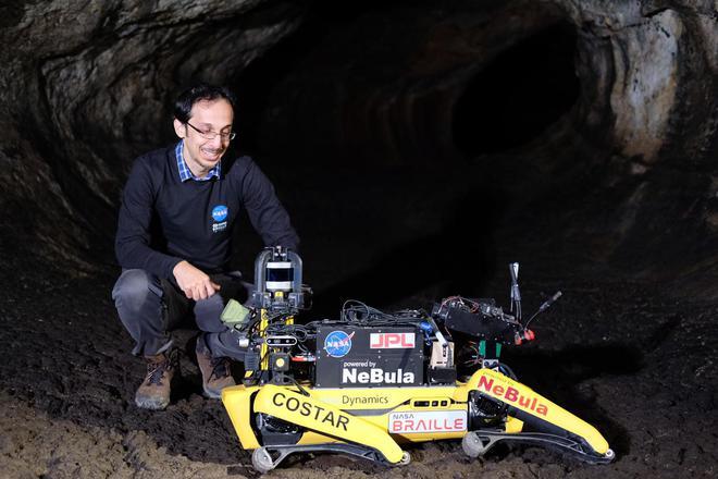 NASA huấn luyện chó robot để hỗ trợ con người khám phá hang động trên sao Hỏa - Ảnh 3.