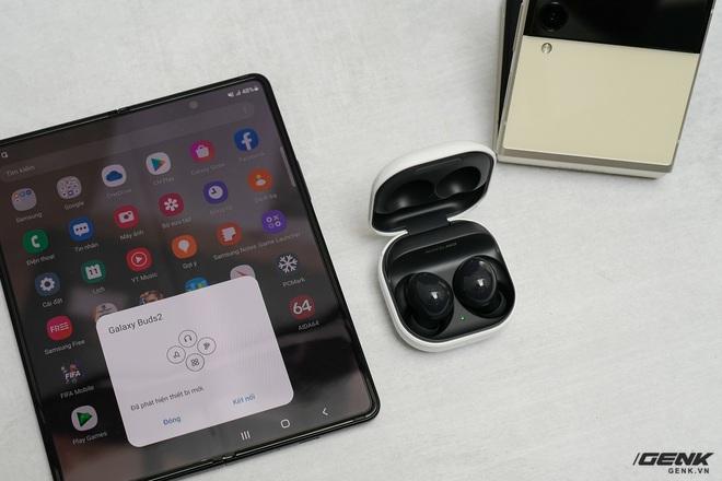 Trên tay Galaxy Z Fold3/Z Flip3 vừa ra mắt: Thiết kế sang trọng tinh tế, camera ẩn dưới màn hình, tích hợp bút S Pen - Ảnh 17.