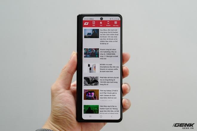 Trên tay Galaxy Z Fold3/Z Flip3 vừa ra mắt: Thiết kế sang trọng tinh tế, camera ẩn dưới màn hình, tích hợp bút S Pen - Ảnh 7.