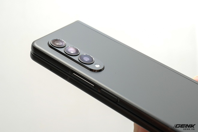 Trên tay Galaxy Z Fold3/Z Flip3 vừa ra mắt: Thiết kế sang trọng tinh tế, camera ẩn dưới màn hình, tích hợp bút S Pen - Ảnh 6.