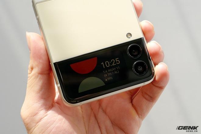 Trên tay Galaxy Z Fold3/Z Flip3 vừa ra mắt: Thiết kế sang trọng tinh tế, camera ẩn dưới màn hình, tích hợp bút S Pen - Ảnh 22.