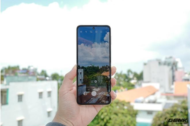 Trên tay Galaxy Z Fold3/Z Flip3 vừa ra mắt: Thiết kế sang trọng tinh tế, camera ẩn dưới màn hình, tích hợp bút S Pen - Ảnh 24.