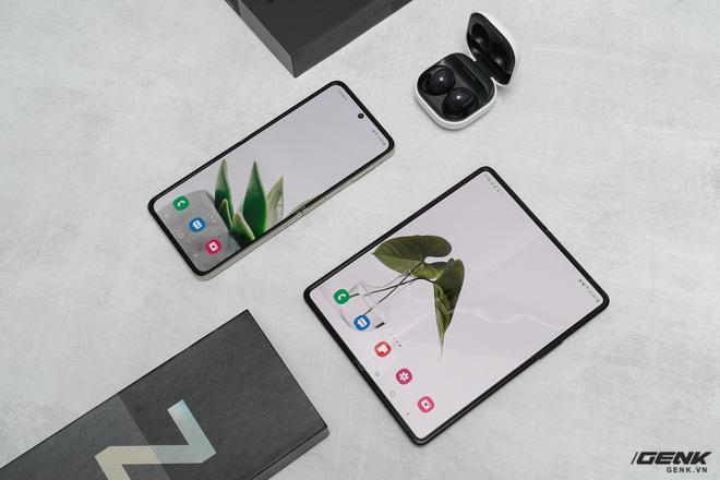 Trên tay Galaxy Z Fold3/Z Flip3 vừa ra mắt: Thiết kế sang trọng tinh tế, camera ẩn dưới màn hình, tích hợp bút S Pen - Ảnh 9.