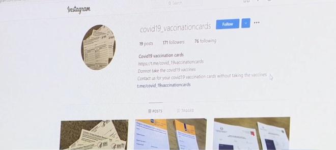 Khó hiểu và giận dữ: Không muốn tiêm vắc xin miễn phí, nhiều sinh viên Mỹ lại bỏ cả đống tiền mua giấy chứng nhận tiêm chủng COVID-19 giả để được đến trường - Ảnh 1.