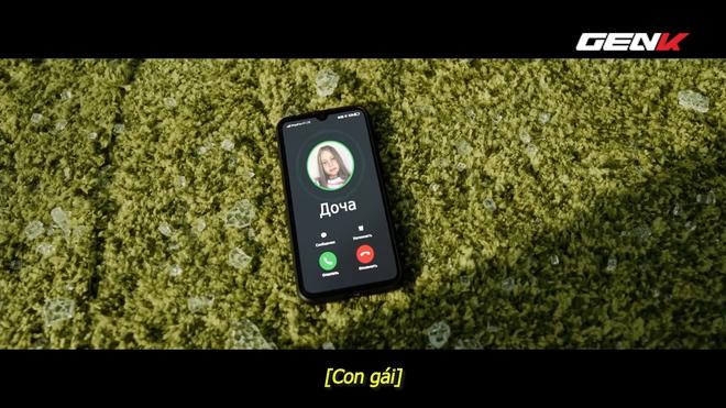 [Video] Nhà mạng di động Nga chơi lớn: thuê tài tử Bruce Willis đóng phim quảng cáo chết cười, chống chỉ định xem khi đang ăn cơm hay uống nước! - Ảnh 5.