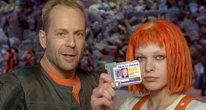 Tài tử Bruce Willis đang ở Mỹ mà vẫn đóng phim quảng cáo được cho nhà mạng Nga và nhận thù lao triệu đô. Họ đã làm như thế nào vậy? - Ảnh 4.