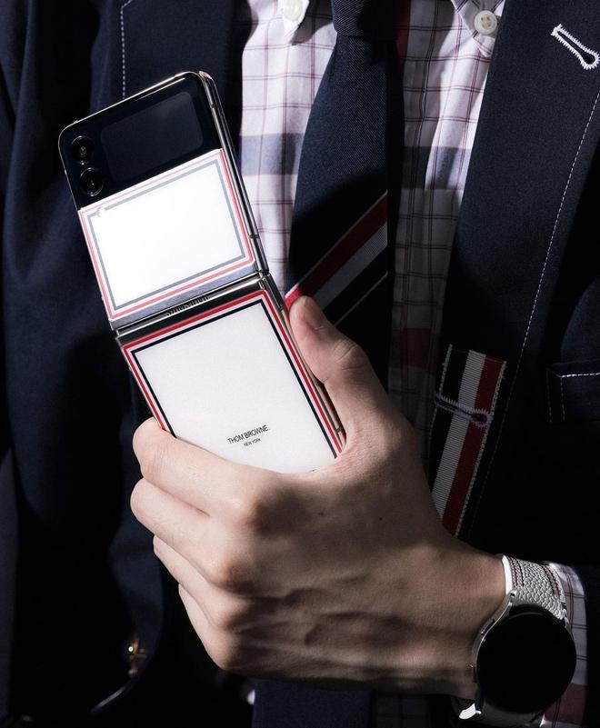 Galaxy Z Fold3 và Z Flip3 phiên bản Thom Browne đặc biệt mở bán tại Việt Nam từ ngày 19/8, giới hạn chỉ 200 máy - Ảnh 5.