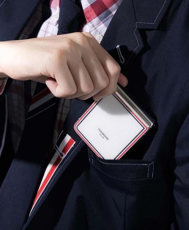 Galaxy Z Fold3 và Z Flip3 phiên bản Thom Browne đặc biệt mở bán tại Việt Nam từ ngày 19/8, giới hạn chỉ 200 máy - Ảnh 3.