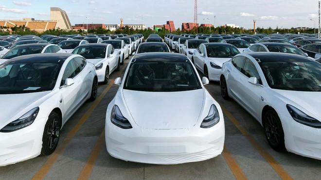 Thị trường Trung Quốc quá khắc nghiệt so với Mỹ, Tesla lại phải thuê thêm nhân sự về làm truyền thông - Ảnh 2.
