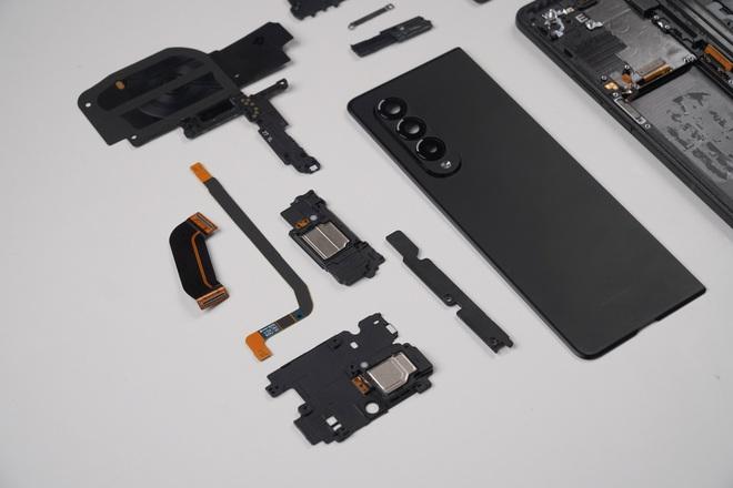 Galaxy Z Fold3 lần đầu được mổ bụng tại Việt Nam, hé lộ bí mật của camera ẩn dưới màn hình - Ảnh 21.