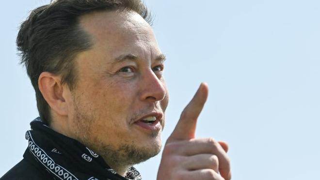 Là tính năng đặc biệt nhất trên xe Tesla, nhưng khả năng tự lái FSD lại bị Elon Musk thẳng thắn chê bai - Ảnh 2.