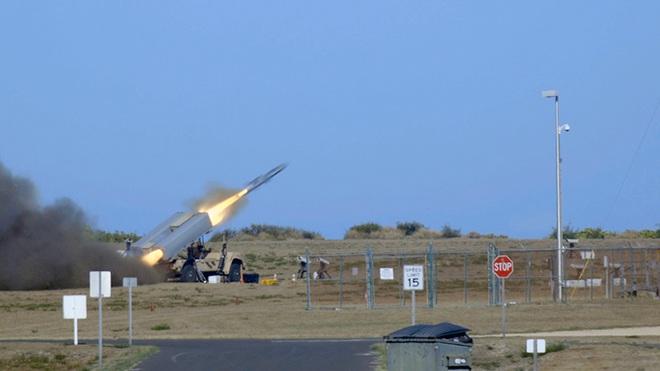 Quân đội Hoa Kỳ tung video tập trận mãn nhãn: tổng lực không – lục – hải quân đánh gãy đôi tàu khu trục - Ảnh 6.