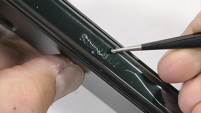Galaxy Z Fold3 có độ bền ấn tượng, không mỏng manh như nhiều người nghĩ - Ảnh 12.