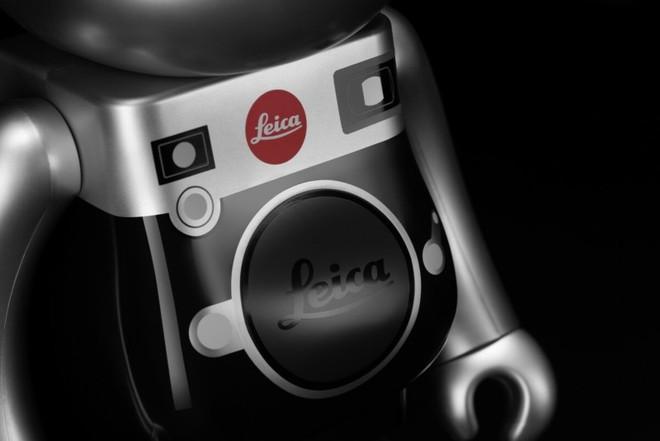Sản phẩm tiếp theo mang thương hiệu Leica là một chú gấu, tiếc thay nó không chụp ảnh được - Ảnh 2.