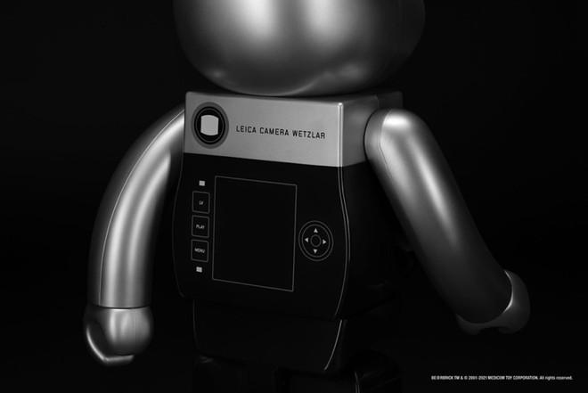 Sản phẩm tiếp theo mang thương hiệu Leica là một chú gấu, tiếc thay nó không chụp ảnh được - Ảnh 3.