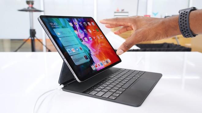 """Bàn phím Magic Keyboard cho iPad Pro giá 10 triệu quá đắt, chẳng đáng mua vì đã có combo khác rẻ bèo vẫn """"ngon"""" - Ảnh 1."""