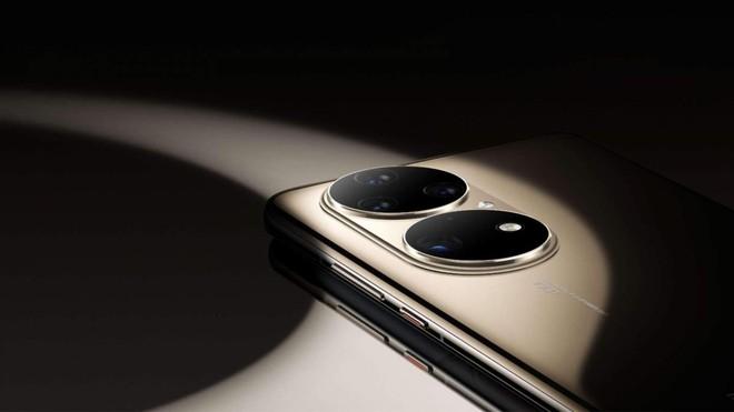 Từng đe dọa Apple và Samsung - giờ mục tiêu của Huawei chỉ là tồn tại - Ảnh 1.