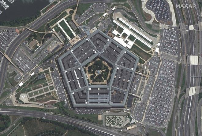 Big Tech kiếm hàng tỷ USD từ cuộc chiến chống khủng bố - Ảnh 1.