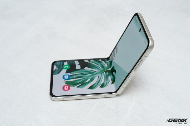 Nếu không thay đổi, iPhone có thể mất đi tập khách hàng Gen Z vào tay Galaxy Z Flip3 - Ảnh 3.