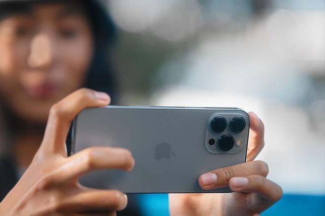 Đây là những tính năng camera mới xịn sò trên iPhone 13 - Ảnh 1.