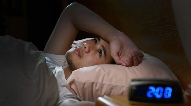 Thật sự thì bạn cần ngủ bù bao lâu để phục hồi sau một đêm mất ngủ? - Ảnh 1.