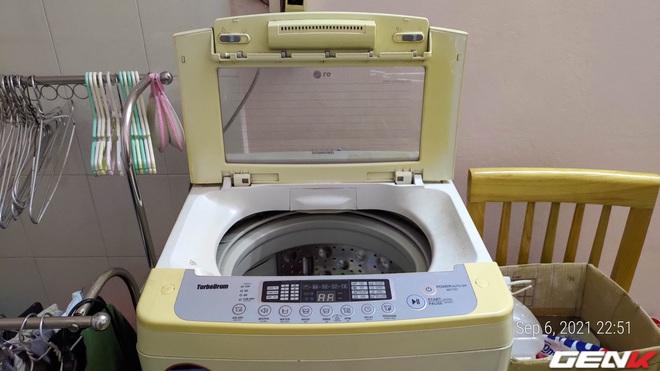 Dùng máy giặt bao nhiêu năm, bạn đã từng thử tháo cục này ra chưa? Nếu chưa thì đừng shock nhé - Ảnh 1.